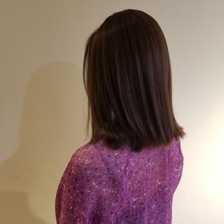 アンニュイほつれヘア セミロング 切りっぱなしボブ カジュアル ヘアスタイルや髪型の写真・画像