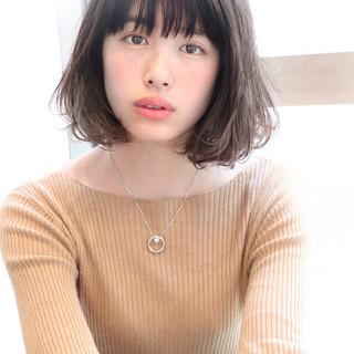 前髪あり アンニュイ ナチュラル 色気 ヘアスタイルや髪型の写真・画像