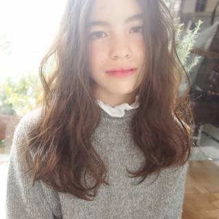 秋 大人かわいい セミロング ナチュラル ヘアスタイルや髪型の写真・画像