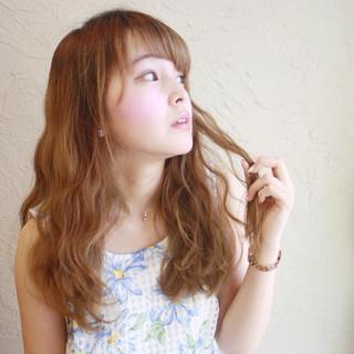 外国人風 ガーリー パーマ セミロング ヘアスタイルや髪型の写真・画像
