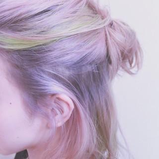 ピンク インナーカラー グラデーションカラー ハイライト ヘアスタイルや髪型の写真・画像