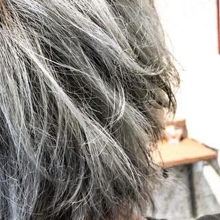シルバーアッシュ シルバー ストリート モテ髪 ヘアスタイルや髪型の写真・画像