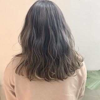 ロング フェミニン バレイヤージュ グラデーションカラー ヘアスタイルや髪型の写真・画像