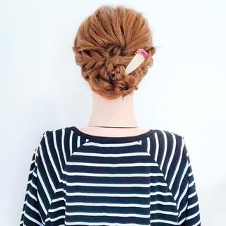 フェミニン 涼しげ ロング くるりんぱ ヘアスタイルや髪型の写真・画像