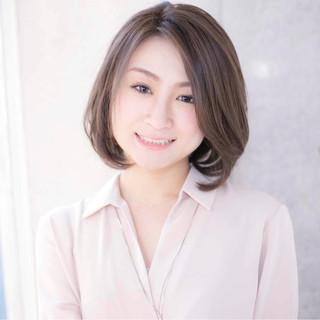大人女子 パーマ コンサバ オフィス ヘアスタイルや髪型の写真・画像