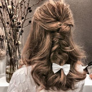 ハーフアップ ヘアアレンジ セミロング ショート ヘアスタイルや髪型の写真・画像