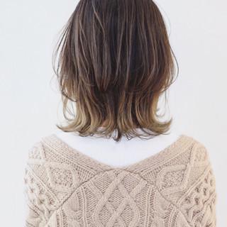 ミディアム ニュアンスウルフ グレージュ ウルフカット ヘアスタイルや髪型の写真・画像
