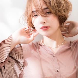 フェミニン ショート 大人ショート 小顔ショート ヘアスタイルや髪型の写真・画像