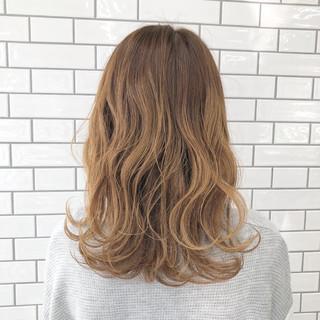 波ウェーブ ミルクティー ゆるふわ ウェーブ ヘアスタイルや髪型の写真・画像