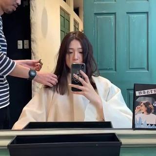 ミディアムレイヤー セミロング 波ウェーブ 巻き髪 ヘアスタイルや髪型の写真・画像