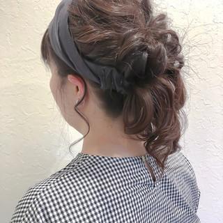 ミディアム ナチュラル ヘアアレンジ 簡単ヘアアレンジ ヘアスタイルや髪型の写真・画像 ヘアスタイルや髪型の写真・画像