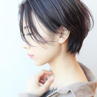 ショート ハンサムショート イルミナカラー オフィス ヘアスタイルや髪型の写真・画像 ヘアスタイルや髪型の写真・画像