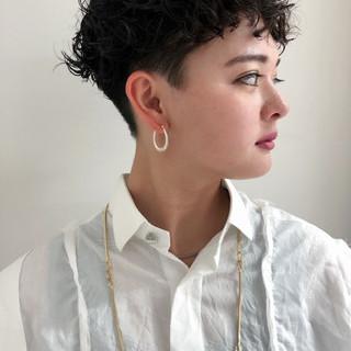 ショート ナチュラル 刈り上げショート 刈り上げ女子 ヘアスタイルや髪型の写真・画像