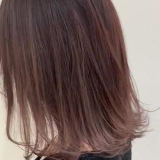 バレイヤージュ グラデーションカラー ミディアム ハイライト ヘアスタイルや髪型の写真・画像