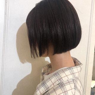 ショートボブ 切りっぱなしボブ ベリーショート ナチュラル ヘアスタイルや髪型の写真・画像