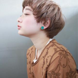 アッシュ 外国人風 パーマ ショート ヘアスタイルや髪型の写真・画像