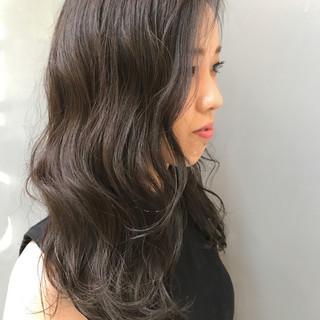 ダブルカラー セミロング ナチュラル アンニュイ ヘアスタイルや髪型の写真・画像