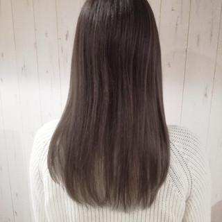 ベージュ アッシュベージュ ロング ナチュラル ヘアスタイルや髪型の写真・画像