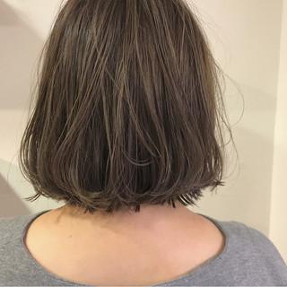 外ハネ ボブ ナチュラル 切りっぱなし ヘアスタイルや髪型の写真・画像