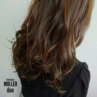 ロング ハイライト 大人かわいい フェミニン ヘアスタイルや髪型の写真・画像