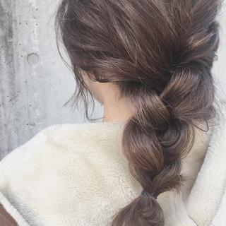 ミディアム ハイライト 透明感 ガーリー ヘアスタイルや髪型の写真・画像