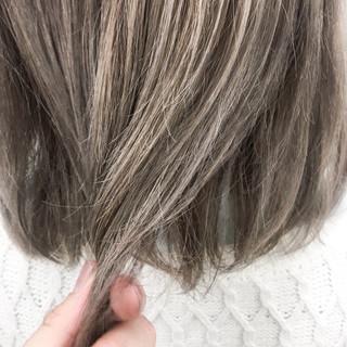 ラベンダーグレージュ ダブルカラー 外国人風カラー ハイトーンカラー ヘアスタイルや髪型の写真・画像