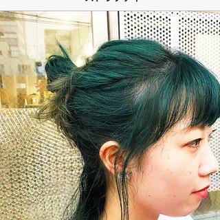 ロング 可愛い グラデーションカラー 個性的 ヘアスタイルや髪型の写真・画像