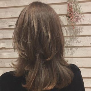 インナーカラー アッシュ デート フリンジバング ヘアスタイルや髪型の写真・画像