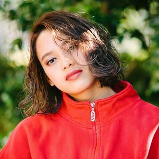 PEEK-A-BOO ストリート 阿藤俊也 アンニュイほつれヘア ヘアスタイルや髪型の写真・画像
