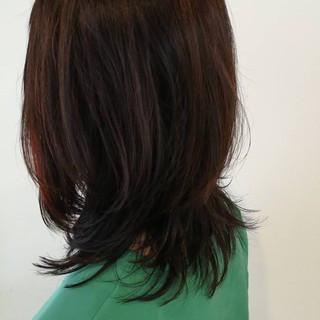 大人かわいい レイヤーカット ミディアム ウルフカット ヘアスタイルや髪型の写真・画像
