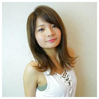縮毛矯正 ストレート セミロング アッシュ ヘアスタイルや髪型の写真・画像