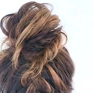 お団子 ヘアアレンジ デート ルーズ ヘアスタイルや髪型の写真・画像