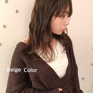 フェミニン セミロング ゆるナチュラル ゆる巻き ヘアスタイルや髪型の写真・画像