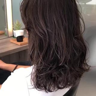 ナチュラル デジタルパーマ パーマ セミロング ヘアスタイルや髪型の写真・画像