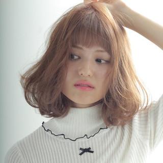 アッシュ ミディアム パーマ 外国人風 ヘアスタイルや髪型の写真・画像