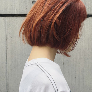 ガーリー デート ダブルカラー 切りっぱなしボブ ヘアスタイルや髪型の写真・画像