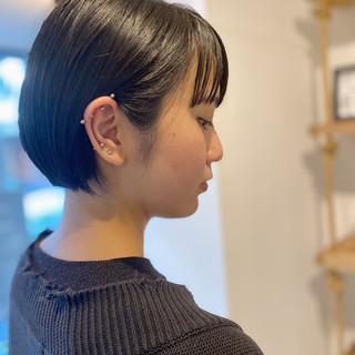 ミニボブ ダークトーン 切りっぱなしボブ ボブ ヘアスタイルや髪型の写真・画像