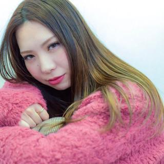 ロング 外国人風 グレージュ ガーリー ヘアスタイルや髪型の写真・画像