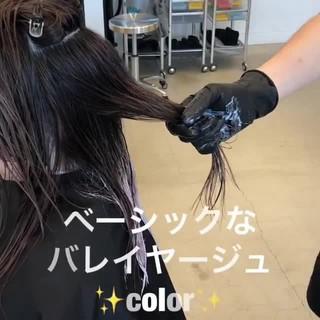 外国人風カラー アッシュ セミロング アウトドア ヘアスタイルや髪型の写真・画像