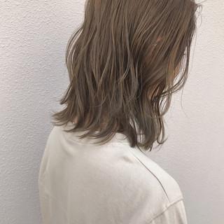 ハイライト ボブ ナチュラル 切りっぱなし ヘアスタイルや髪型の写真・画像