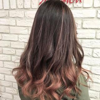 ハイライト 外国人風 ピンク グレージュ ヘアスタイルや髪型の写真・画像