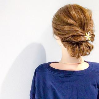 オフィス 上品 エレガント セミロング ヘアスタイルや髪型の写真・画像
