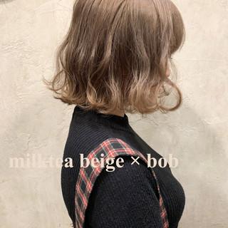 グレージュ ボブ ミルクティーベージュ ミルクティー ヘアスタイルや髪型の写真・画像