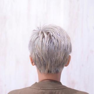 ストリート ショート ホワイト ホワイトブリーチ ヘアスタイルや髪型の写真・画像
