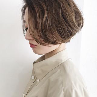 ショートヘア 前下がりボブ フェミニン ショート ヘアスタイルや髪型の写真・画像
