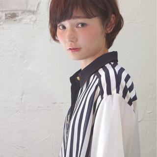 ショート ピュア アッシュ ガーリー ヘアスタイルや髪型の写真・画像