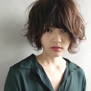 外国人風 パーマ ナチュラル 色気 ヘアスタイルや髪型の写真・画像