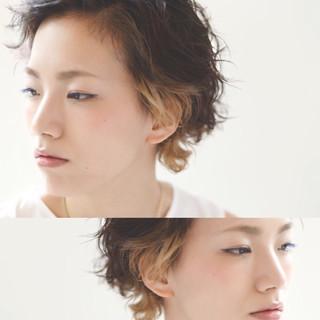アッシュ ショート ハイライト 暗髪 ヘアスタイルや髪型の写真・画像