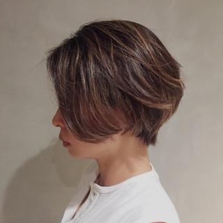 ショートボブ ハイライト ナチュラル ボブ ヘアスタイルや髪型の写真・画像