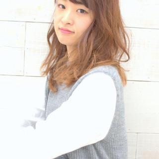 外国人風 大人かわいい 愛され パーマ ヘアスタイルや髪型の写真・画像 ヘアスタイルや髪型の写真・画像